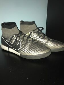 Nike Indoor soccer cleats/ shoes