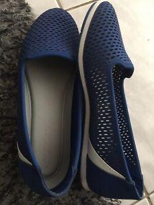 Aerosoles flats size 7. Blue colour