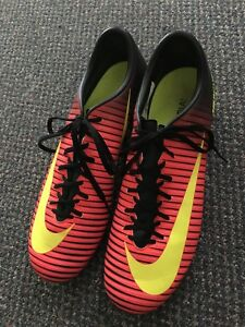 Soccer Cleats size 8.5
