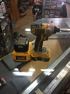 Dewalt 18v xrp  impact drill with 2 battery's