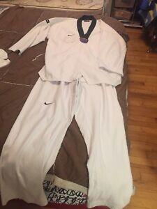TAEkwondo UNIFORM  120 cm medium size  use