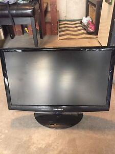 "Samsung 22"" monitor / tv"