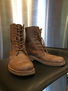 Roots Boots Made in Canada Women's leather 6.5