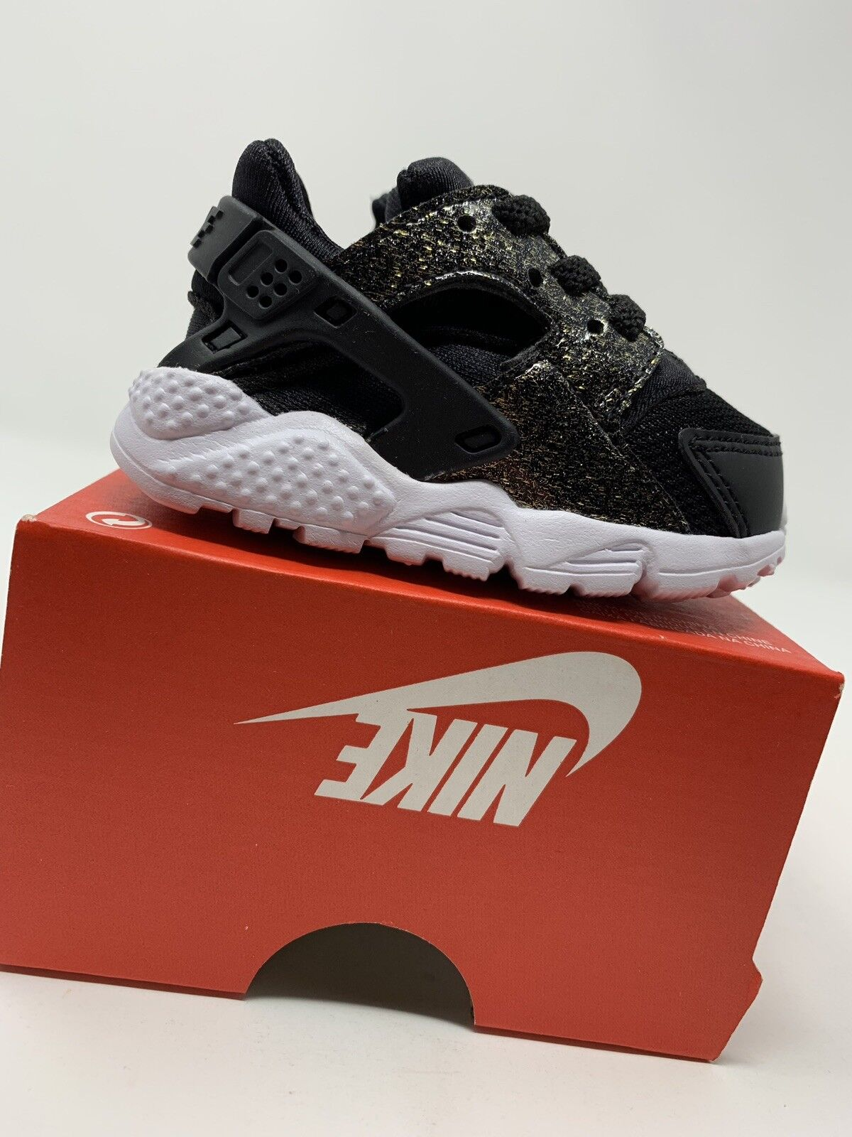 BABY GIRL: Nike Huarache Run SE Shoes, Black & Gold Sparkle - Size 3C 859592-005
