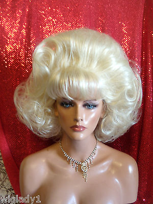 WIGS TO BE WILD IN FOR HALLOWEEN VEGAS GIRL WIGS PICK A COLOR SHORT BIG GIRL WIG - Be A Girl For Halloween