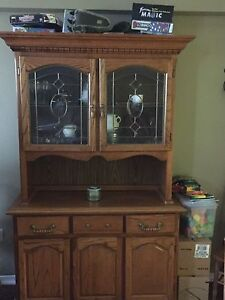 Dining Room Hutch w/ Glass Doors & Lights