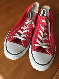 Red Converse 7 1/2