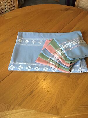 Retro Vintage Table Cloth .oblong Pale Blue And6  Complimenting Napkins