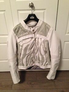 Motorcycle jacket - women (small)