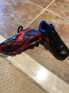 Kids soccer shoes size 13 toddler
