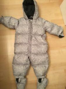 Baby Gap Heathered Grey Snowsuit Size 6-12 month