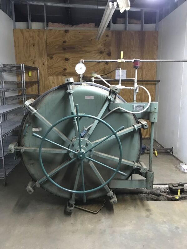 12 Ft Autoclave/Retort with Racks, Insulated