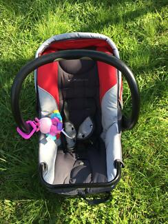 Babylove car capsule Lisarow Gosford Area Preview