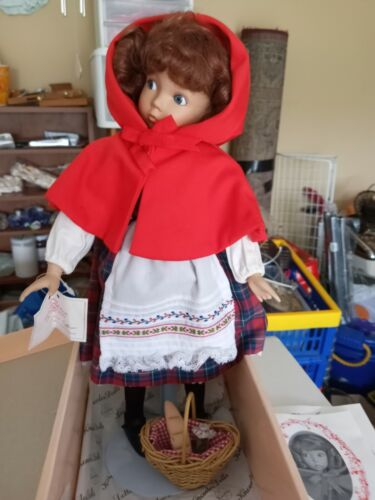 Little Red Riding Hood Porcelain Doll in excellent condition, Ashton Drake