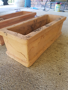 2 terracotta pots Capalaba Brisbane South East Preview