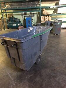 Waste bin on wheels