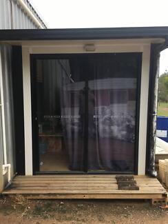 2.4m * 3.8m air conditioned Transportable living quarters