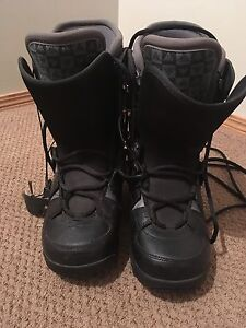 Women's snowboard boots - size 10