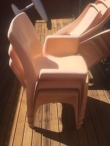 6 seater plastic outdoor dining set pick up Toowong Cannon Hill Brisbane South East Preview