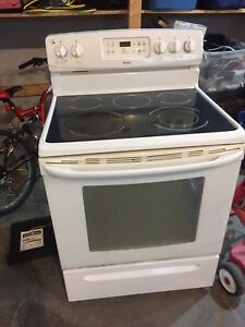 Used Range with glass cooktop &200