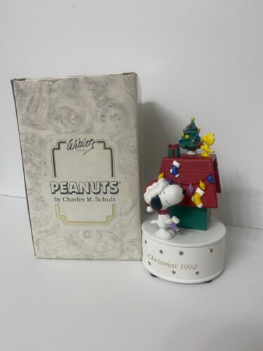 Winter Wonderland Whillitts 1992 Snoopy Christmas Music Box MINT IN BOX