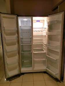 $450 Westinghouse fridge freezer 606L East Brisbane Brisbane South East Preview