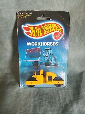 Hot Wheels Workhorses Yellow CAT Road Roller NIB Good Condition