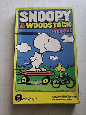 SNOOPY & WOODSTOCK COLORFORMS PLAYSET 1970's PEANUTS GANG CHARLIE BROWN LINUS