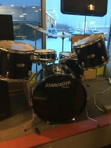 7 Piece Starcaster drum set