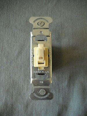 Vintage Arrow Hart Quiette Q-1 Light Switch Ivory Bakelite Lot Of 10 Nos Usa