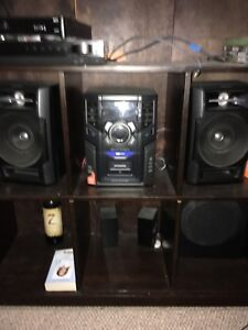 Stereo and speakers DVD mp3 playback max sound