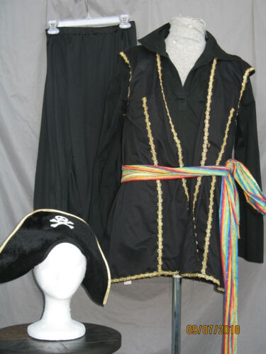 Pirate Buccaneer Swashbuckler Black and Gold