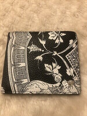 Men's versace wallet ,black And White