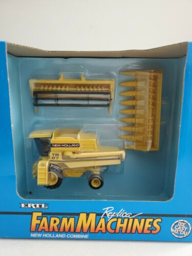 New Holland TR97 Combine 1/64 Grain and Corn heads
