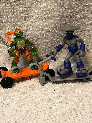 Playmates Toys Action Figure TMNT Mini Mutant Extreme Sports Mikey v. Foot
