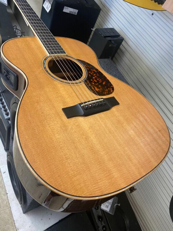 NICE! $4k Jean Larrivee OM09 Natural Acoustic Guitar OM 09 Electric Gibson L C D