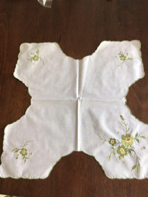 Vintage Hand Embroidered Applique Basket Liner Flowers Bread Bun Warmer