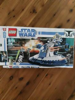 LEGO Star Wars Armoured tank set. #8018