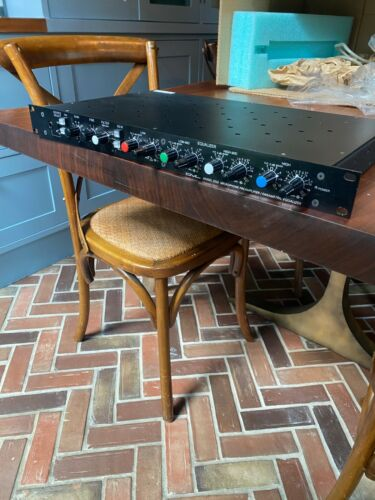 GML 2032 Preamplifier/Parametric Equalizer in EXCELLENT Condition!