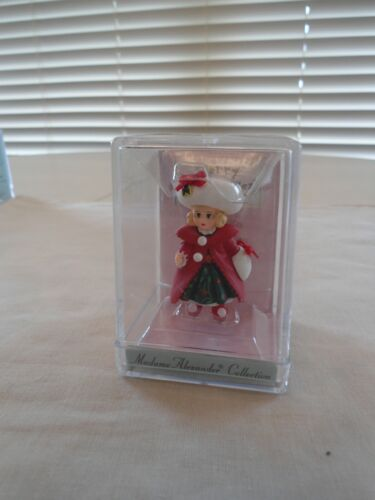 1998 NEW CHRISTMAS HOLLY  MADAME ALEXANDER COLLECTION MERRY MINIATURE