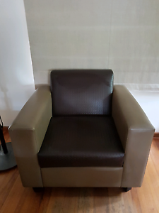 Leather lounge arm chair Drysdale Outer Geelong Preview