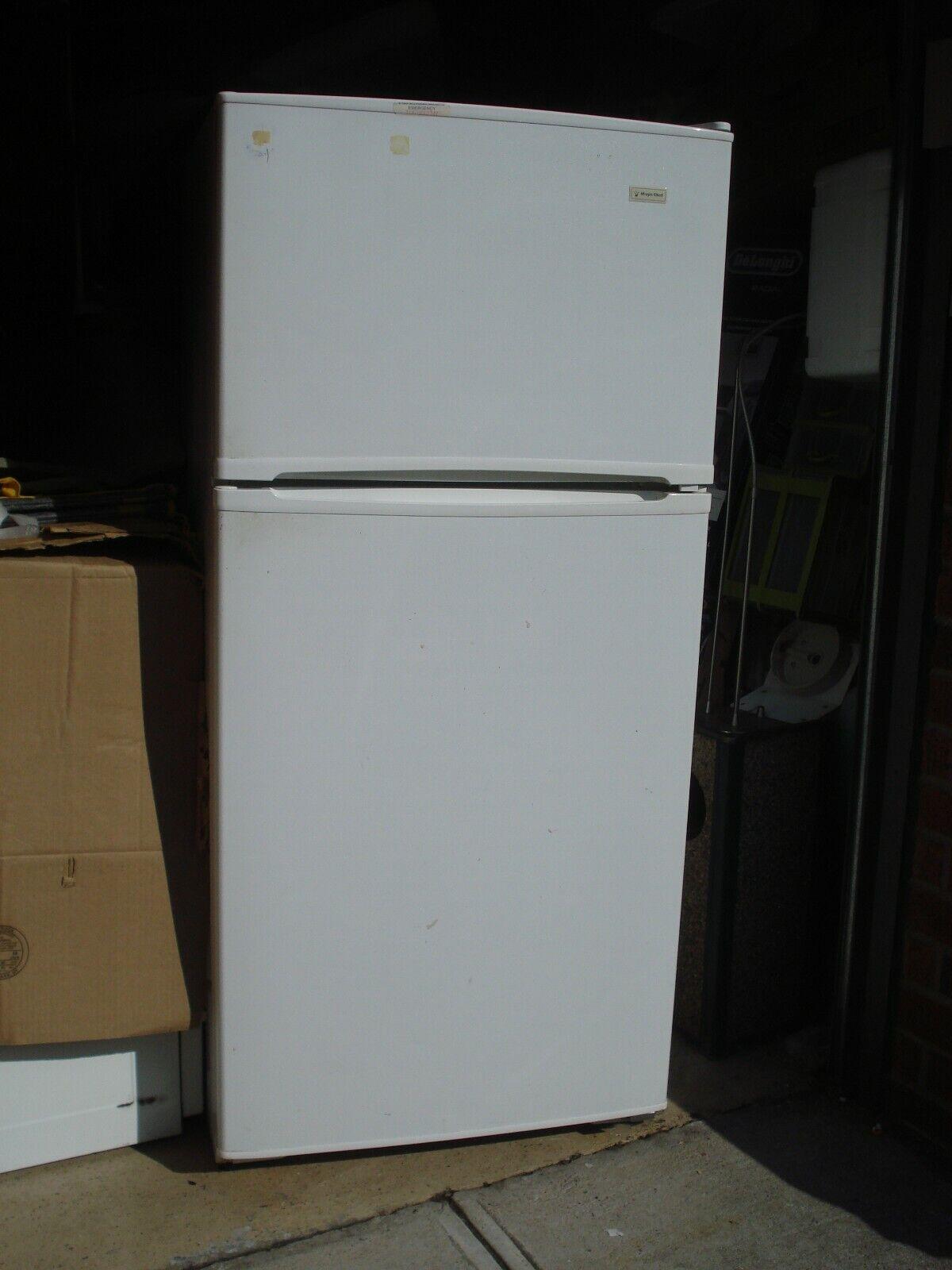 Magic Chef 15 Cu. Ft. Refrigerator w/top Freezer