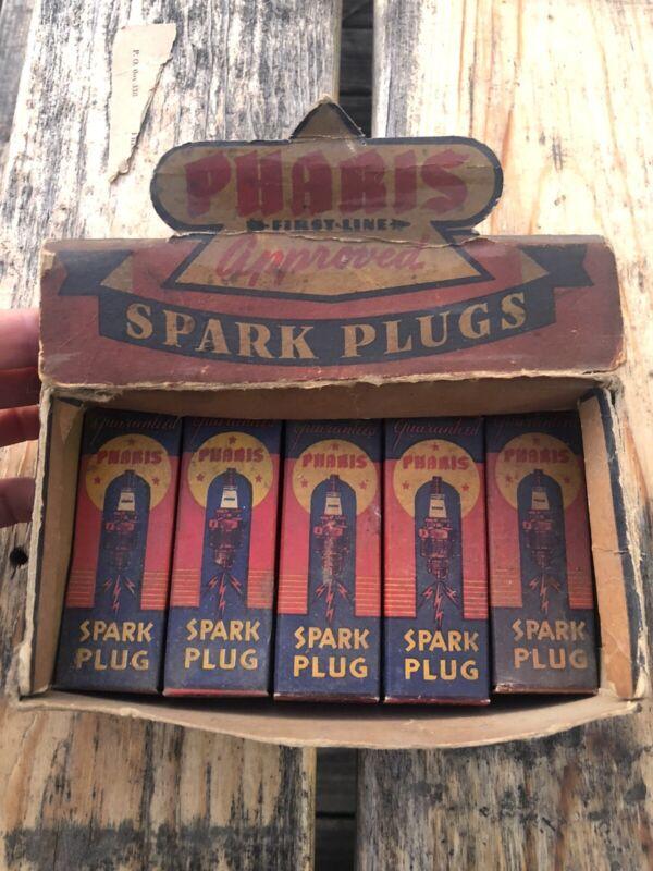 Vintage HTF pharis Spark Plugs Advertising Box With 5 NOS Spark Plugs Gas Oil