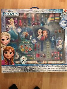 Frozen dress up beauty set.