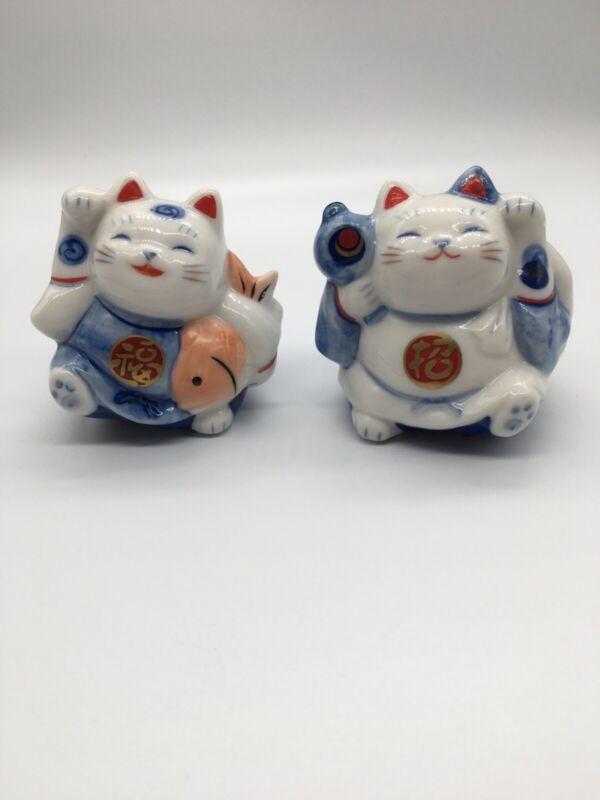 Japanese Vintage Lucky Neko Pair Of Cats Beckoning Waving Blue White Ceramic
