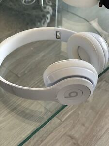 Beats Solo 3 wireless Bluetooth