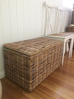 Vintage cane chest - very good vintage condition