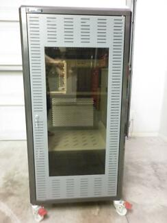 24RU RTX Server Cabinet with HP Server & 32 Port Switch installed