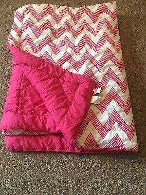 PB Dorm/Teen Pink Chevron Twin Comforter ()