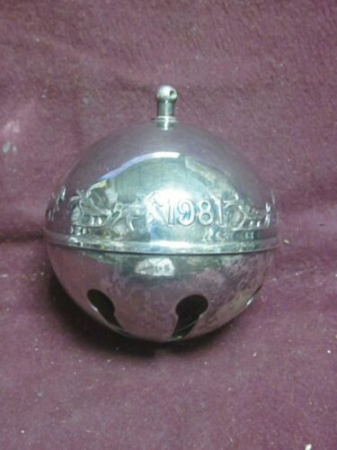 Wallace 1981 SILVERPLATE SLEIGH BELL ORNAMENT  Annual Series